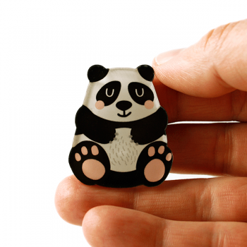 käselotti Acrylglas-Brosche Panda